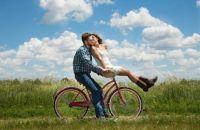 Как спонтанность помогает сохранить счастливые отношения?