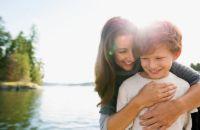 Почему вредно хвалить ребенка?